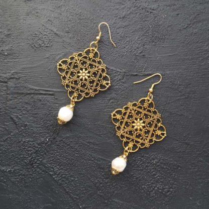 Сережки з натуральними перлами купити