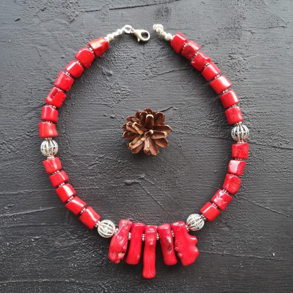 Купити червоні коралі
